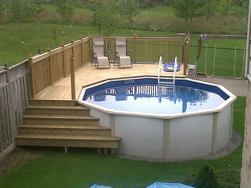 Image of: Pallet Pool Deck Ideas