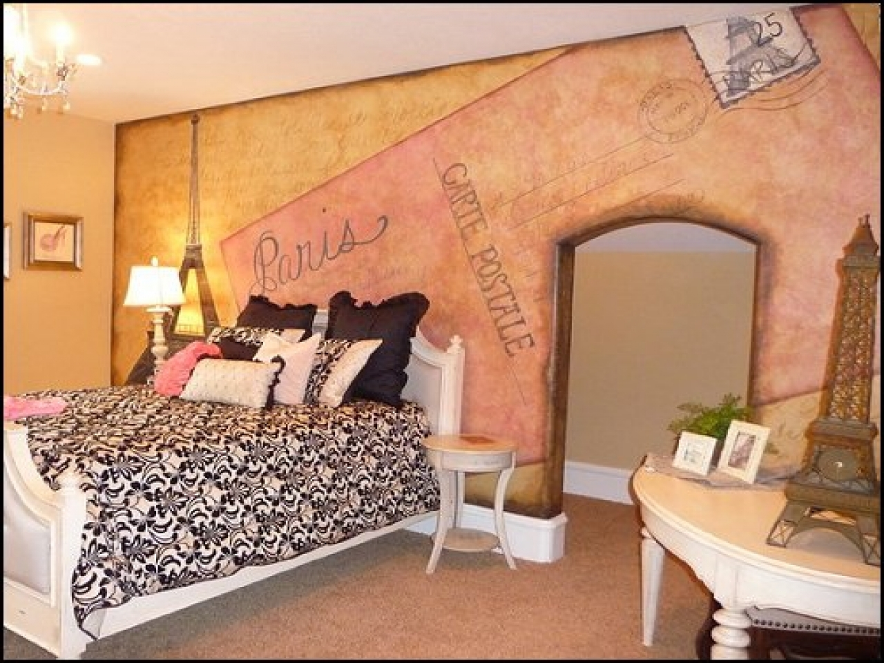 Image of: Paris Themed Bedroom Decor Uk