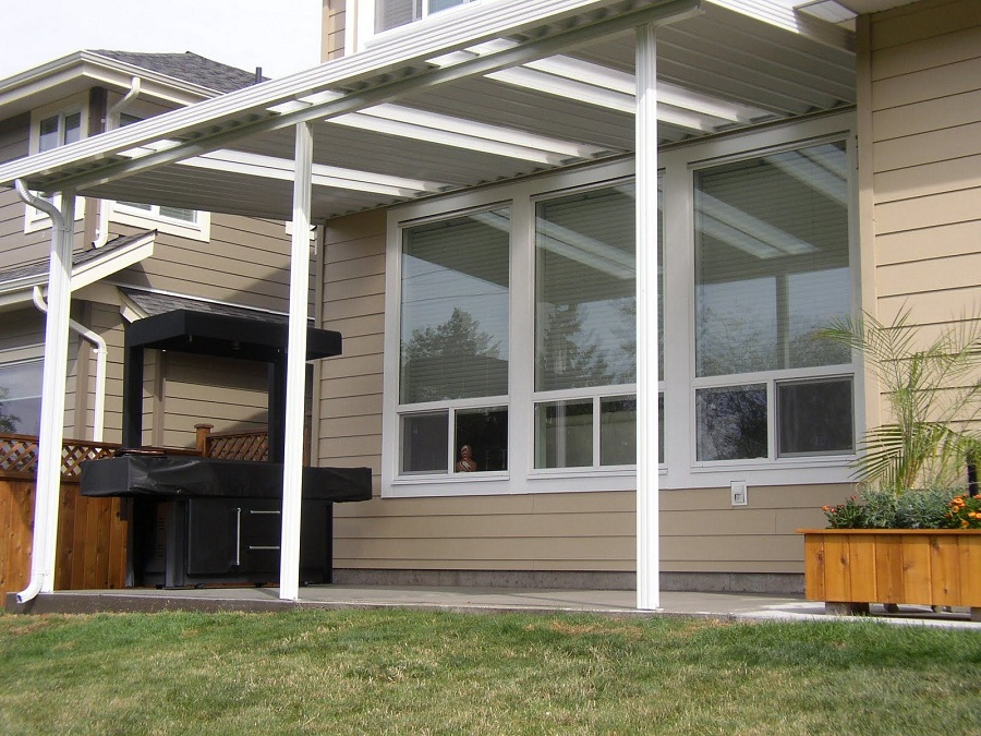 Image of: Patio Aluminum Awnings for Decks