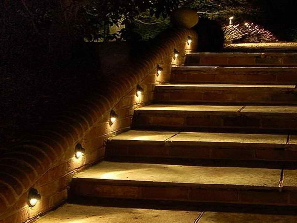 Image of: Perfect Deck Stair Lights