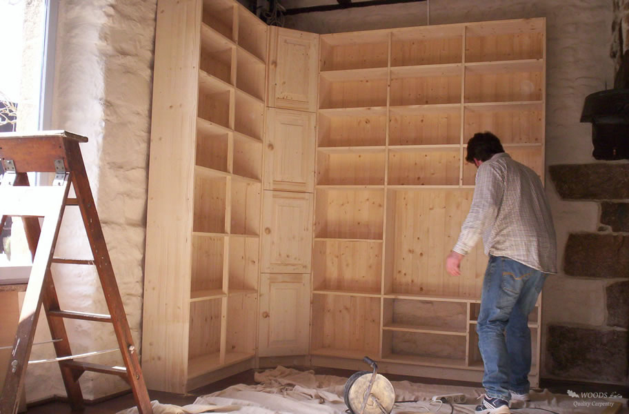 Image of: Pine Bookcase Diy