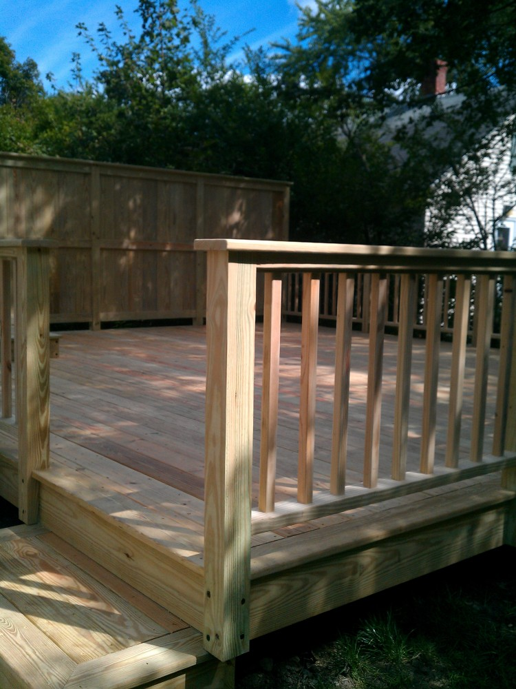 Image of: Privacy Deck Railing Review