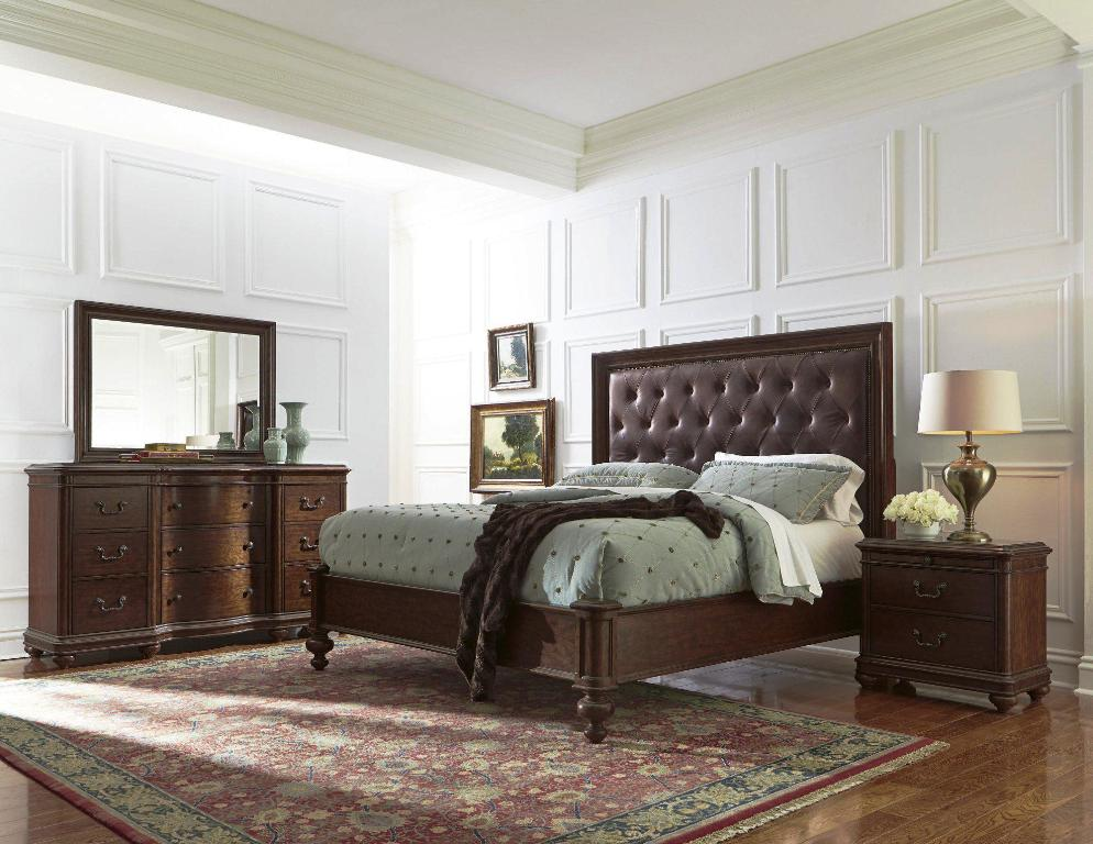 Image of: Pulaski Bedroom Furniture Sale