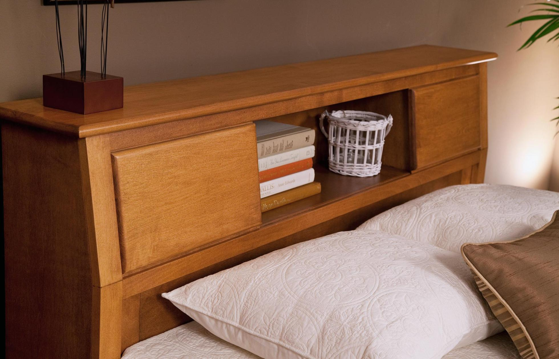 Image of: Queen Captains Bed With Bookcase Headboard