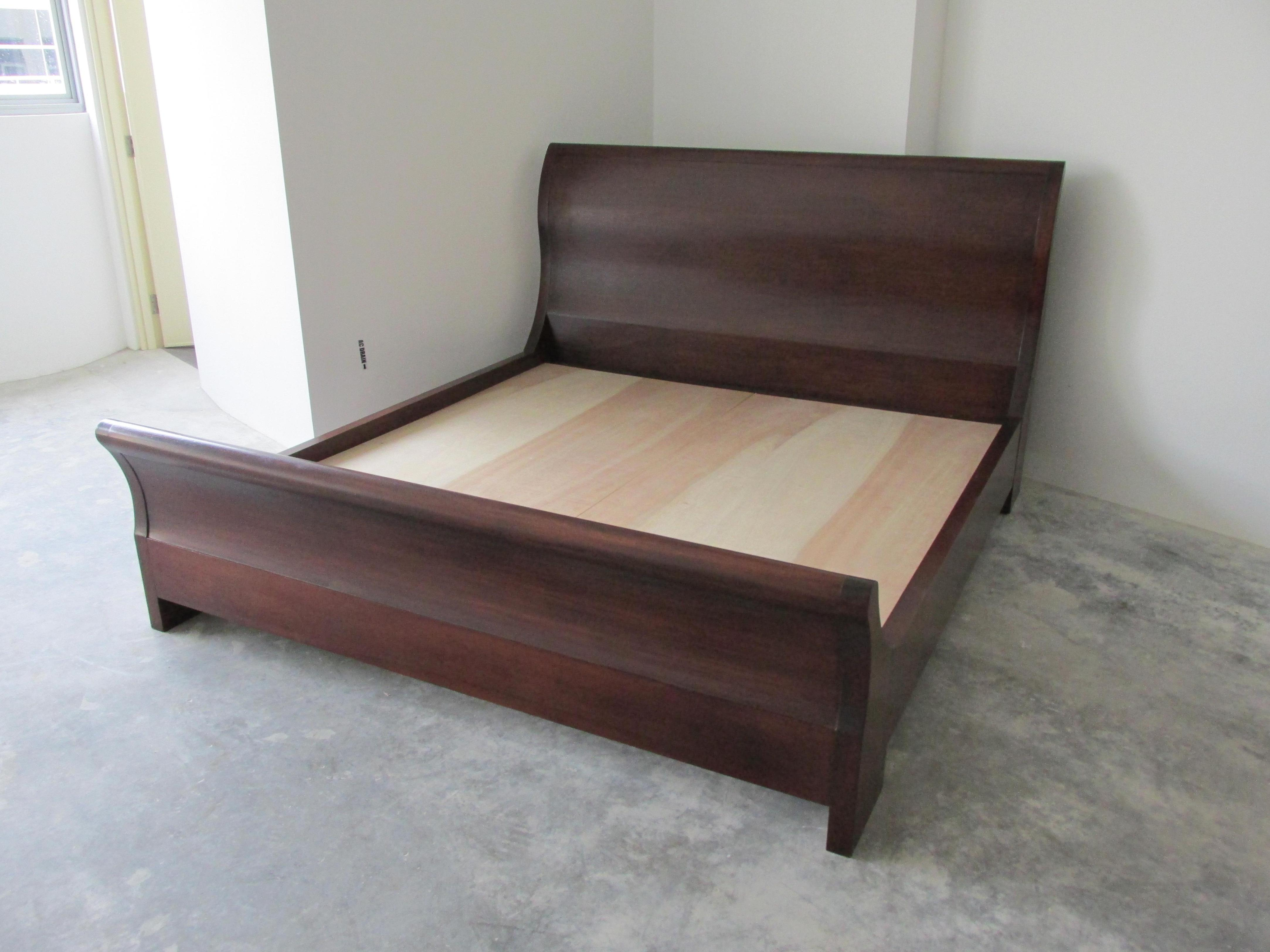 Image of: Queen Size Sleigh Bed Frame