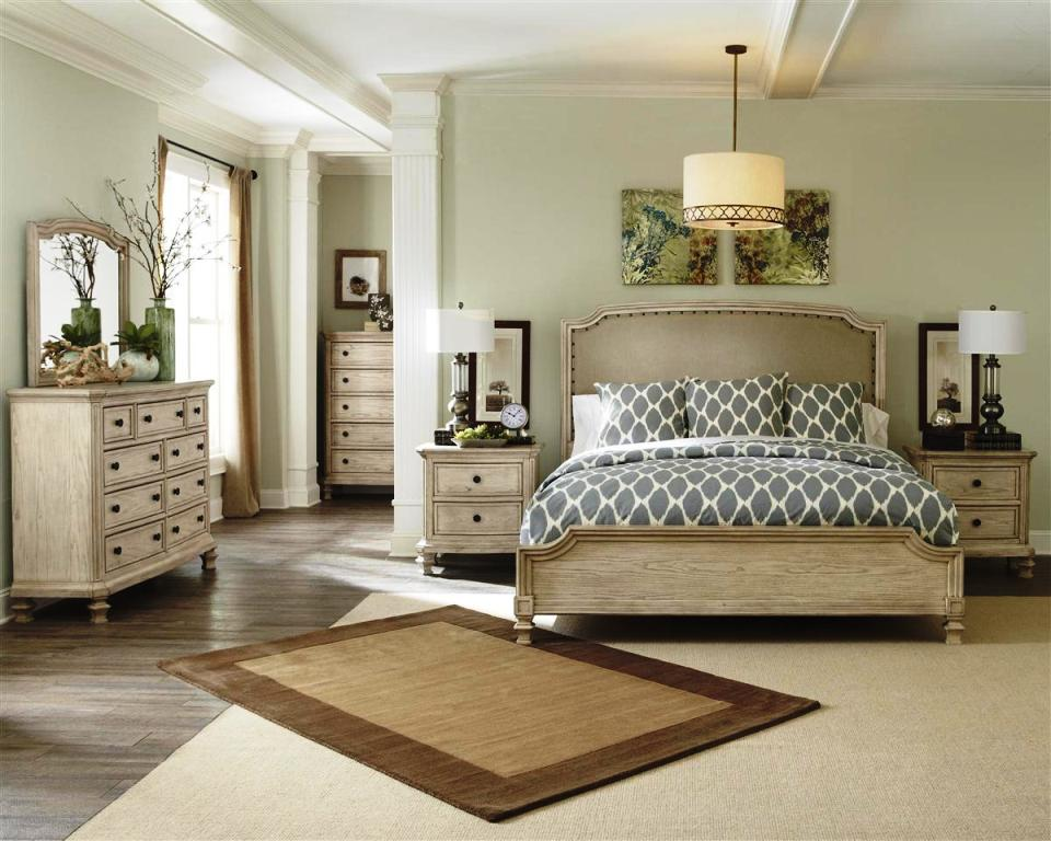 Image of: Queen Size Upholstered Bedroom Sets