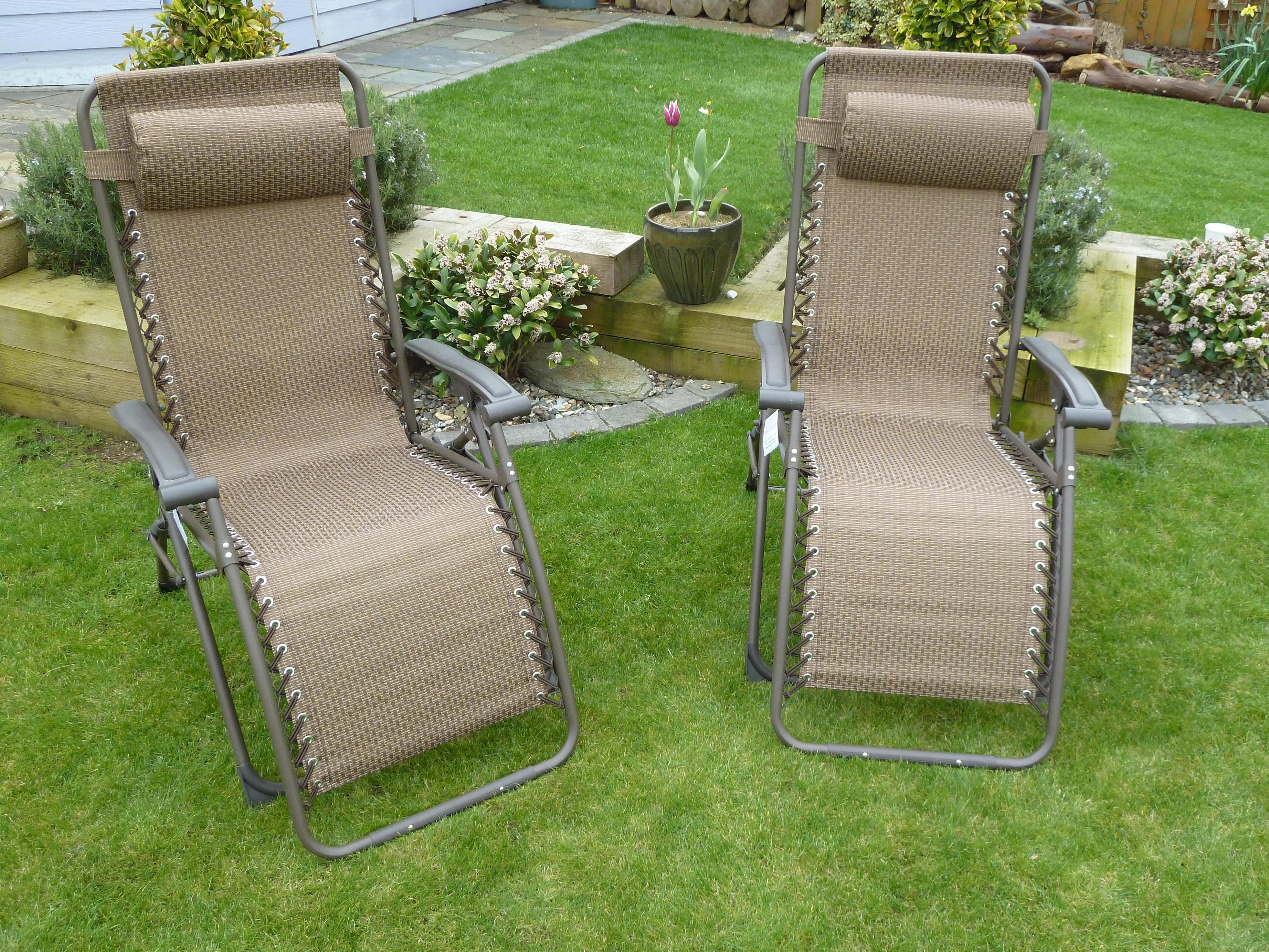 Image of: Reclining Outdoor Lounge Chair