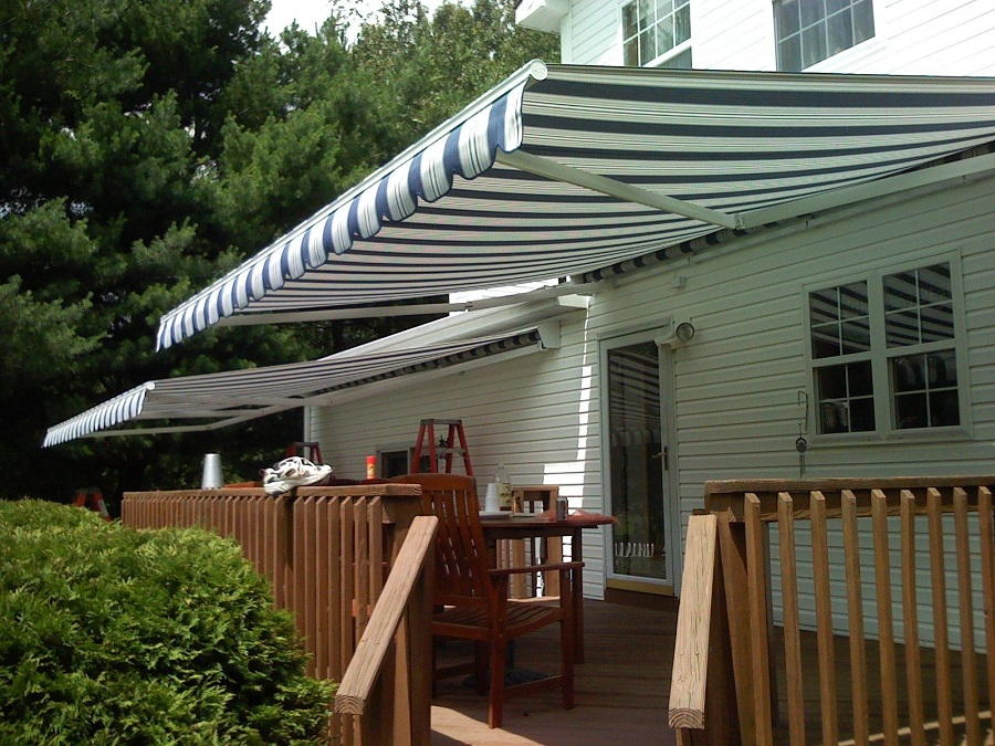 Image of: Retractable Outdoor Window Awnings
