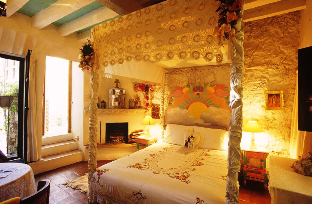 Image of: Romantic Bedroom Decorating Ideas Cheap