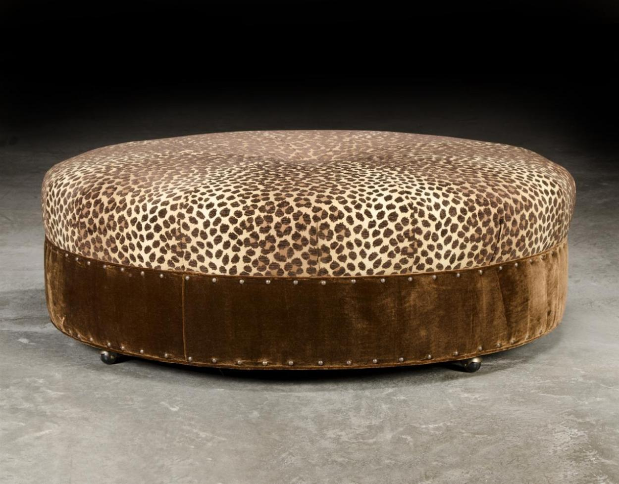 Image of: Round Oversized Chair And Ottoman