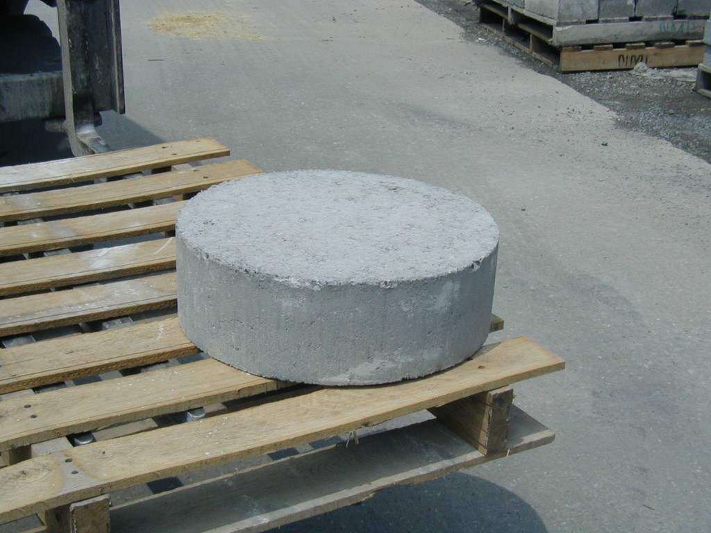 Image of: Round Precast Deck Footings