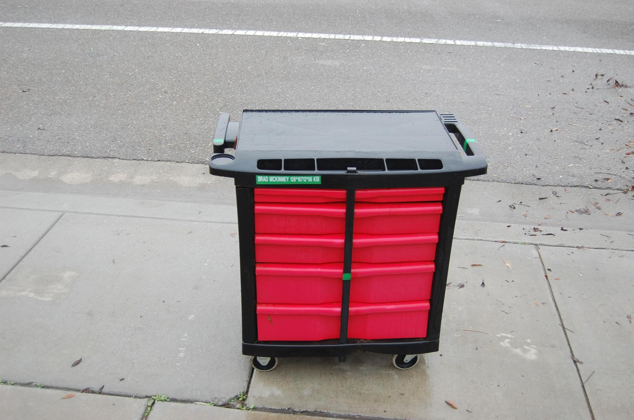 Image of: Rubbermaid Rolling Cart With Drawers