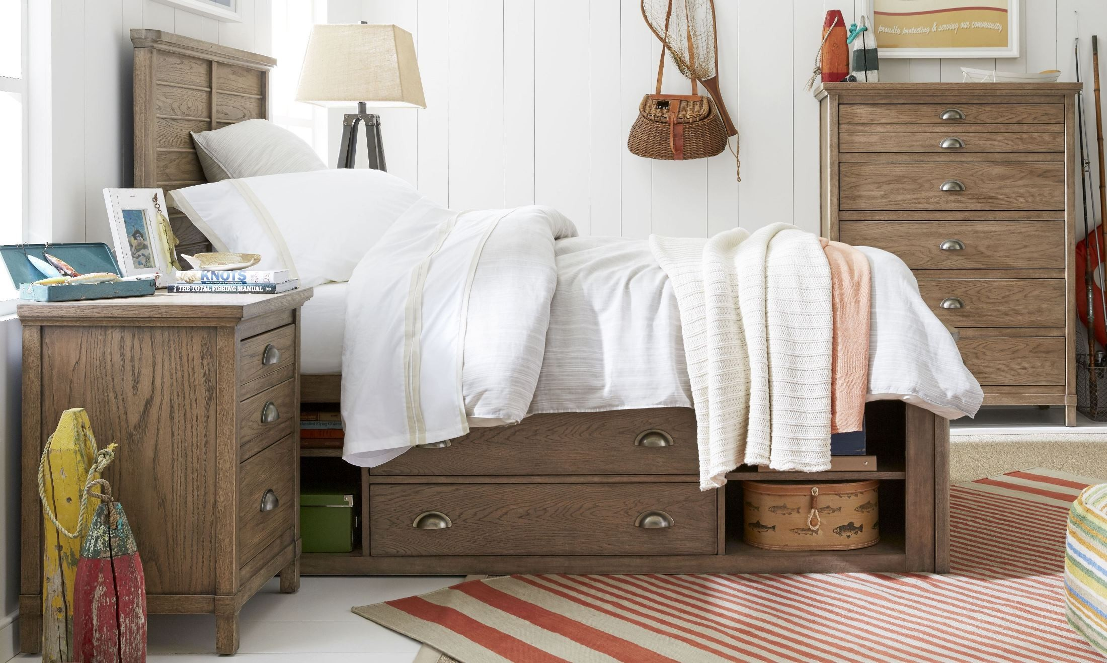 Image of: Rustic Driftwood Bedroom Furniture