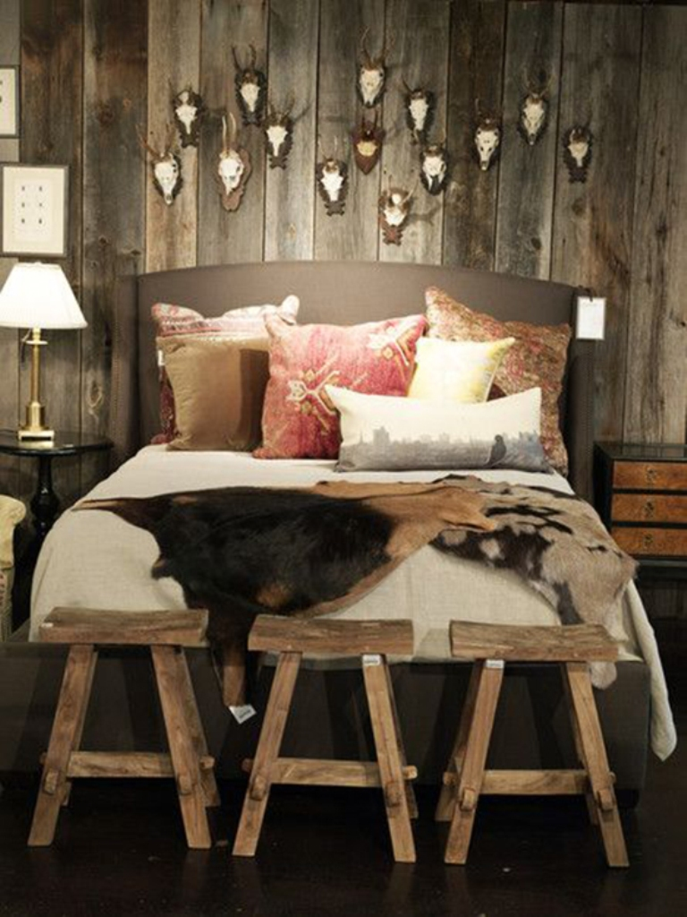 Image of: Lovely Rustic Master Bedroom Decorating