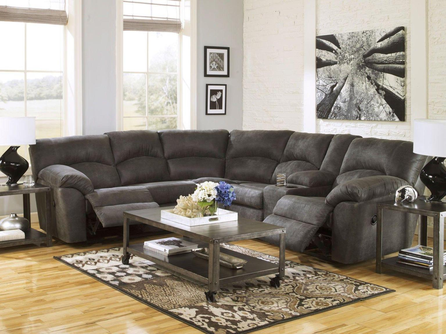 Image of: Sectional Sofas With Recliners For Small Spaces