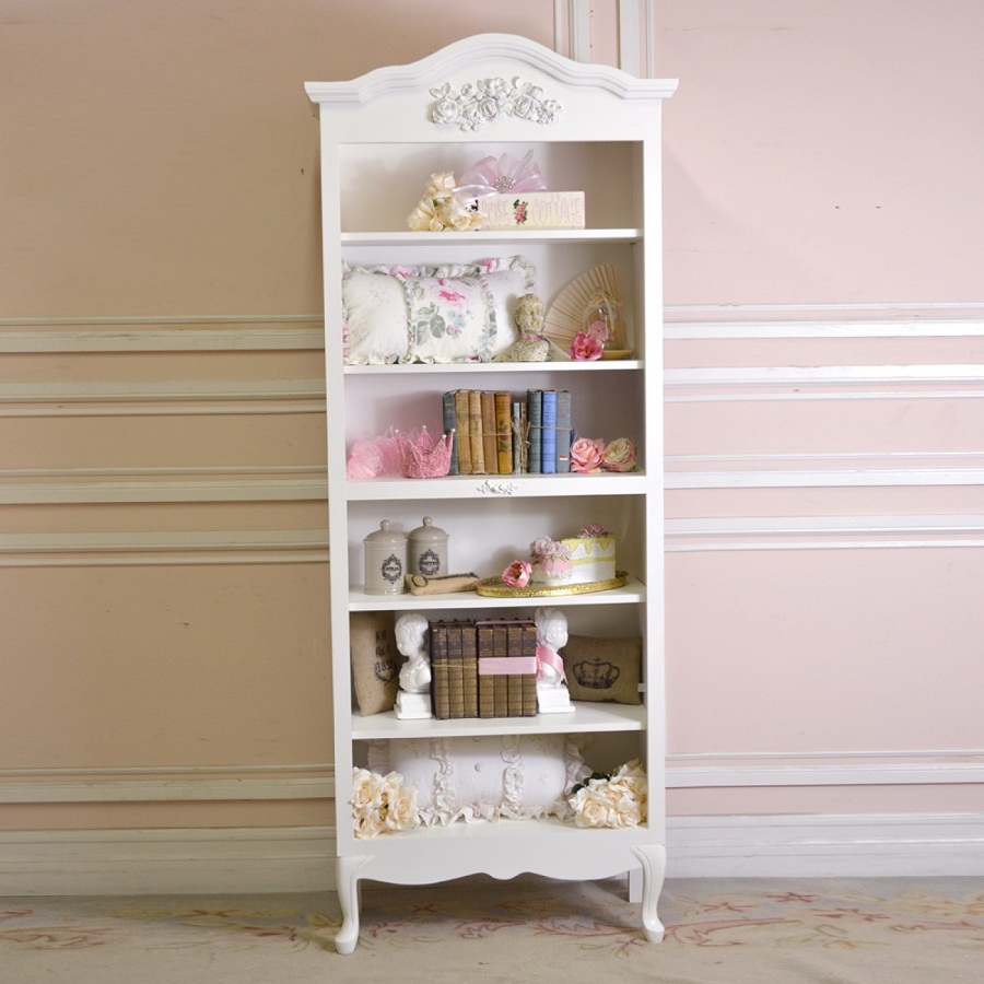 Shabby Chic Bookcase Decor