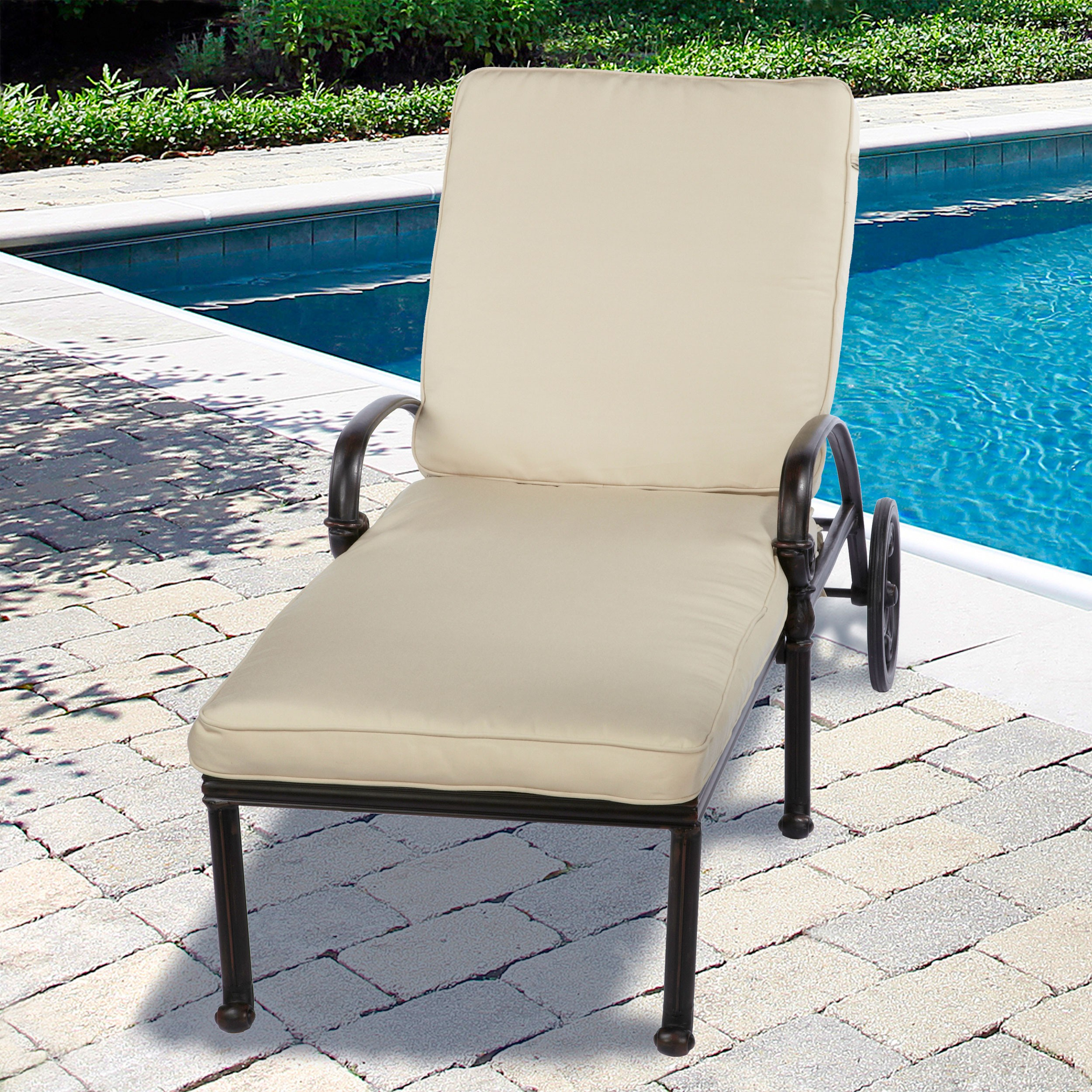 Image of: Simple Folding Chaise Lounge Chair