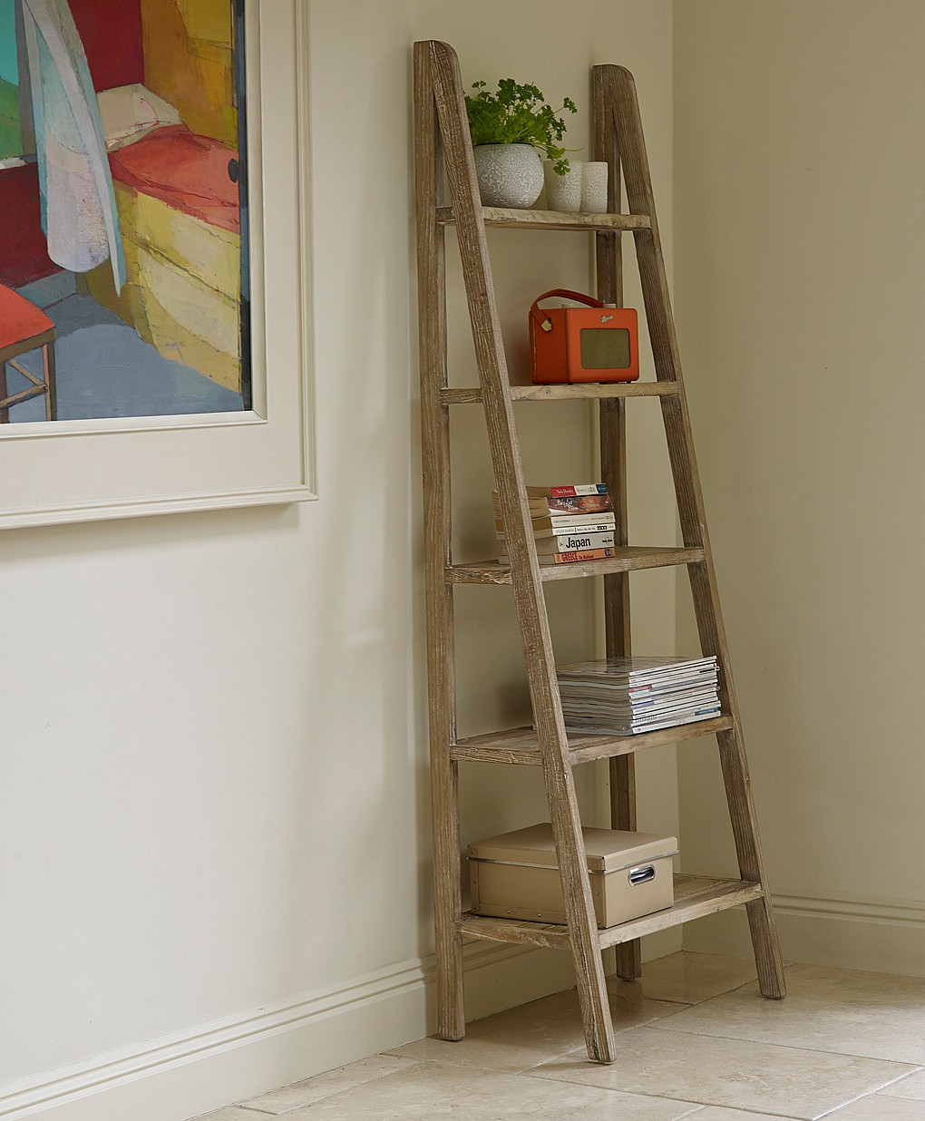 Image of: Simple Ladder Bookcase