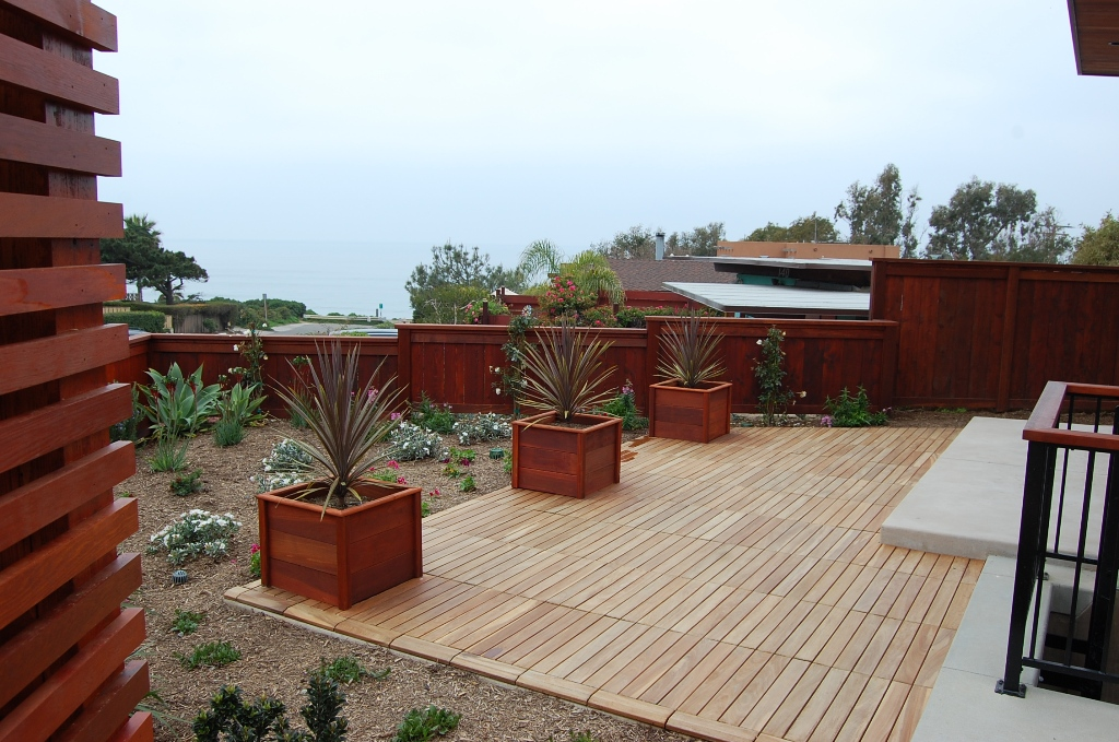 Image of: Simple Patio Deck Tiles