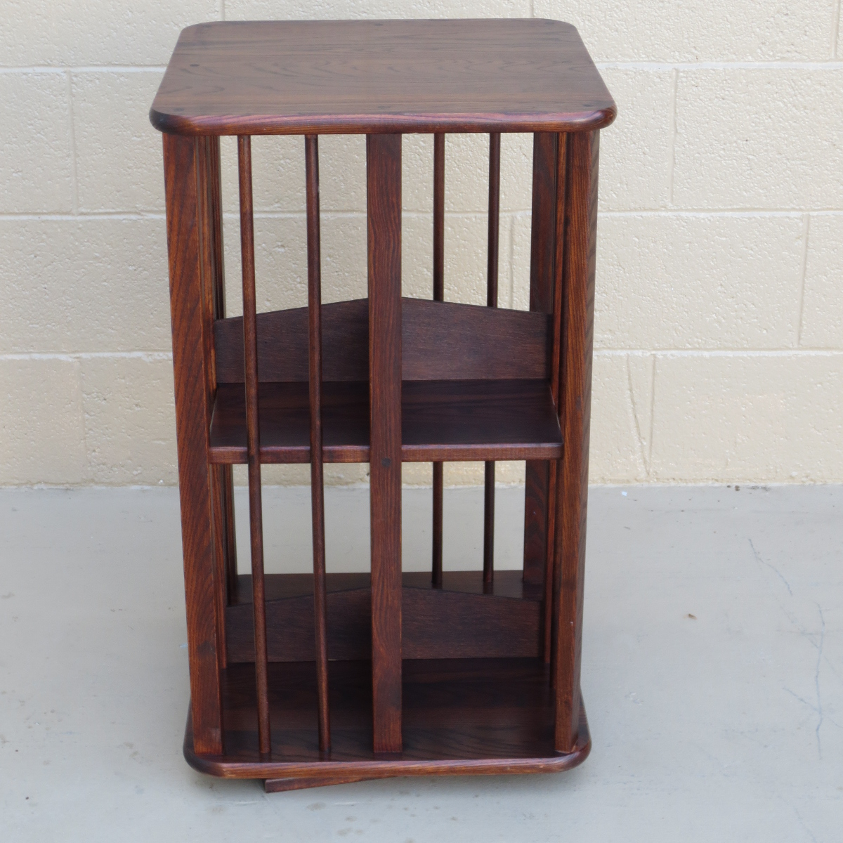 Image of: Simple Rotating Bookcase