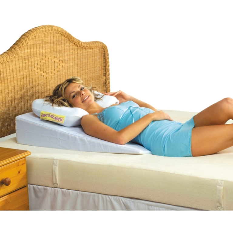 Image of: Sit Up In Bed Pillow Uk