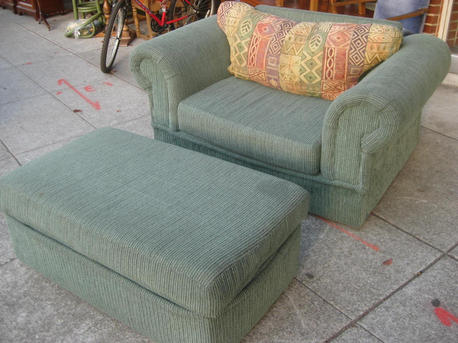 Image of: Slipcover For Oversized Chair And Ottoman