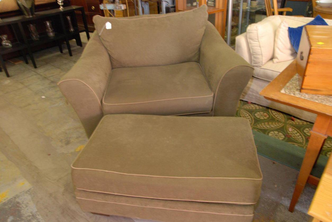Image of: Slipcovers For Oversized Chairs And Ottomans