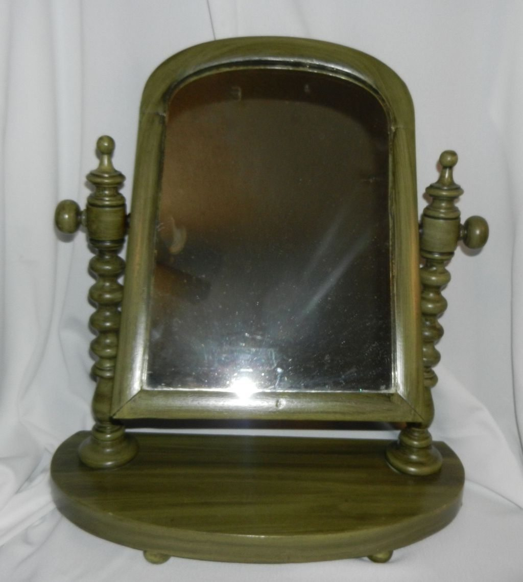 Image of: Small Antique Vanity with Mirror
