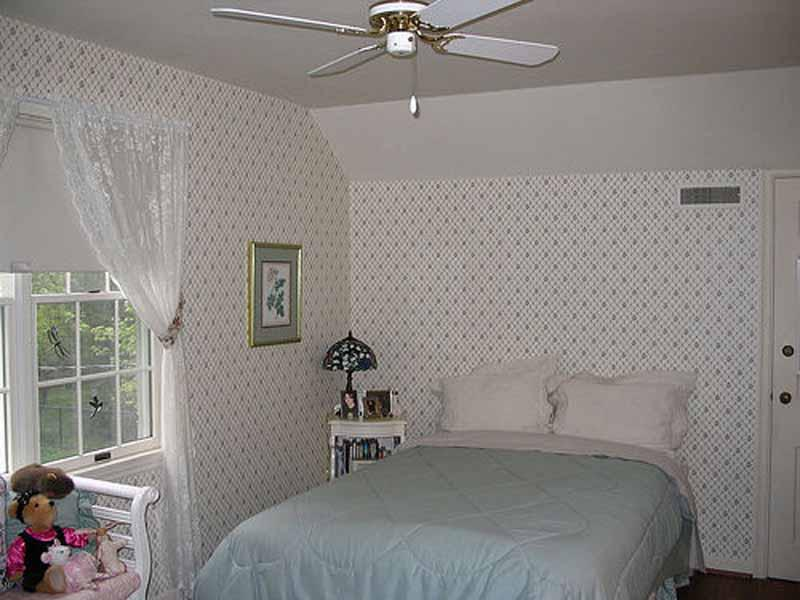 Image of: The Small Bedroom Decorating Ideas
