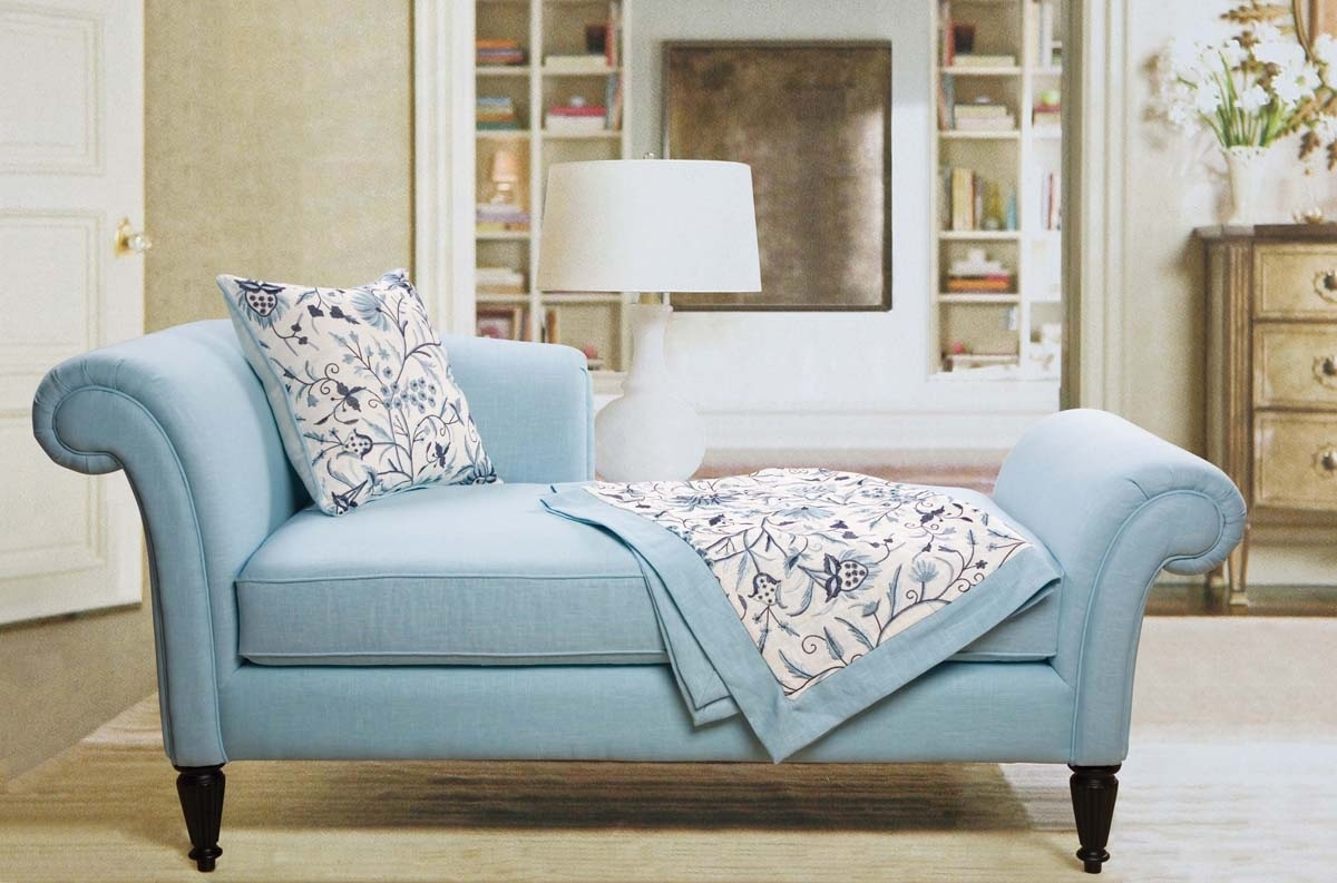 Image of: Modern Small Couches For Bedrooms