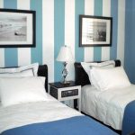 Small Guest Room With Twin Beds