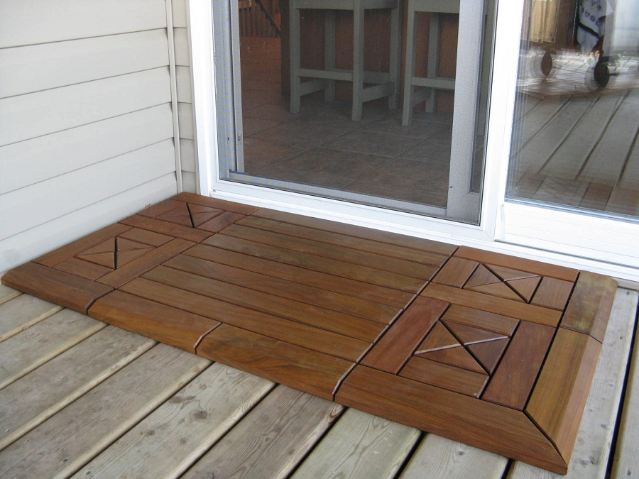 Small Interlocking Wood Deck Tiles
