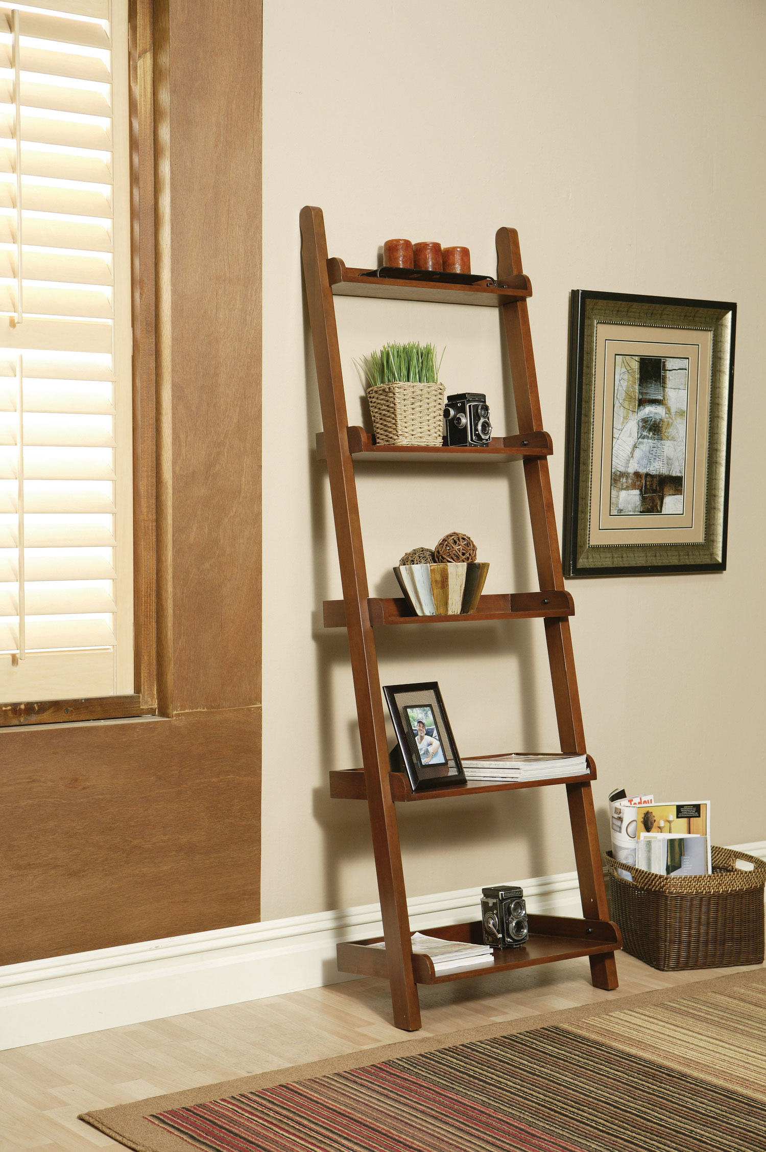 Image of: Small Leaning Bookcase