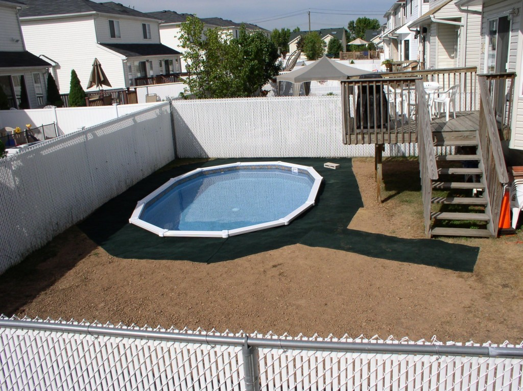 Image of: Small Oval Pool Decks