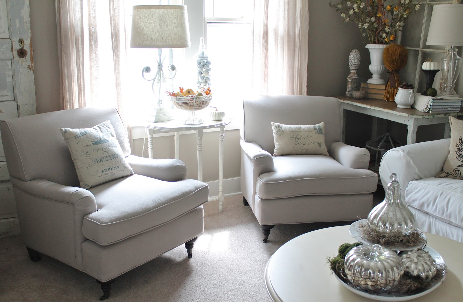 Image of: small upholstered accent chairs