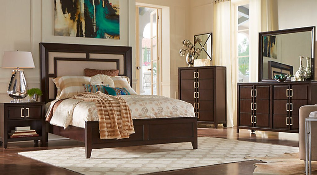 Image of: Sofia Vergara Bedroom Sets Idea