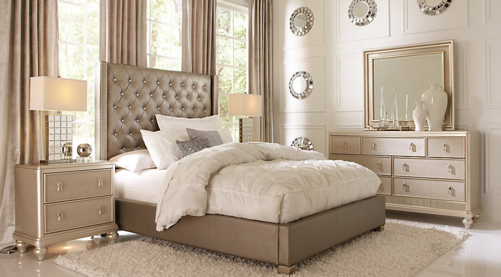 Image of: Sofia Vergara Bedroom Sets Plan