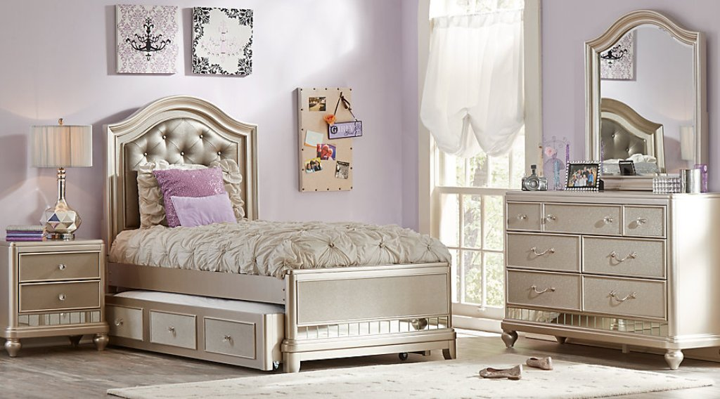 Image of: Sofia Vergara Bedroom Sets Reviews