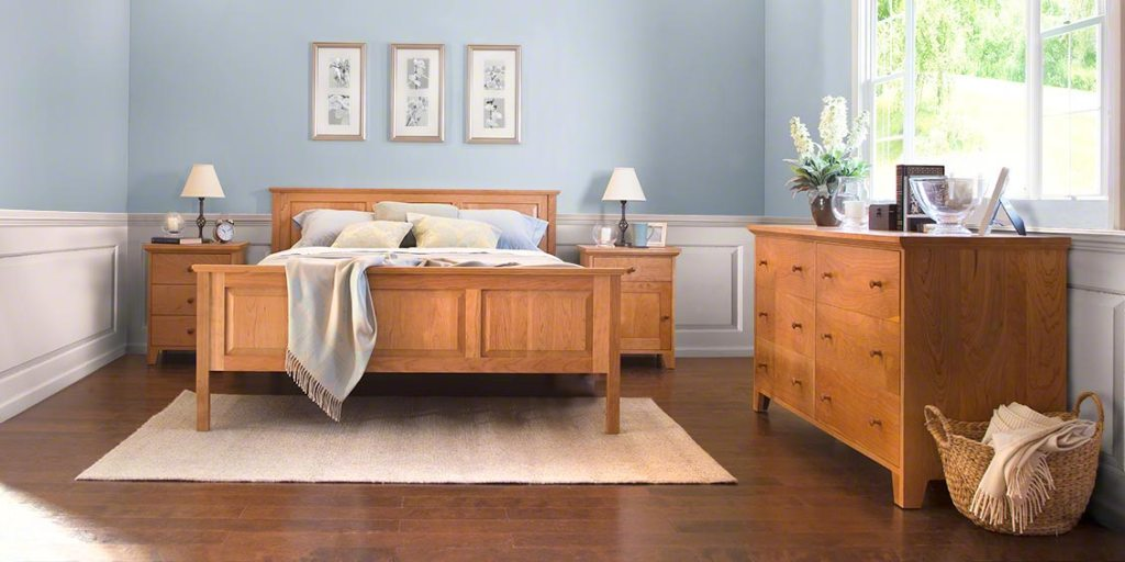 Image of: Solid Wood Bedroom Furniture King