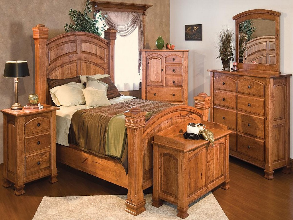 Image of: Solid Wood Bedroom Furniture Sets