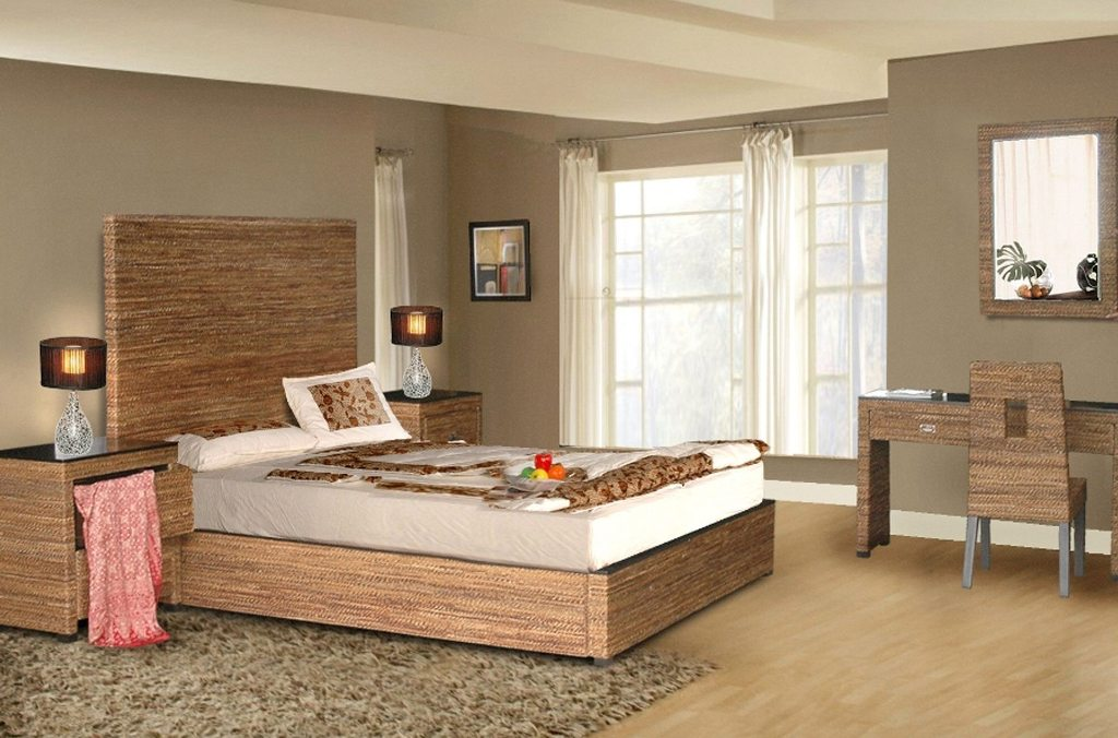 Image of: Solid Wood Bedroom Furniture White