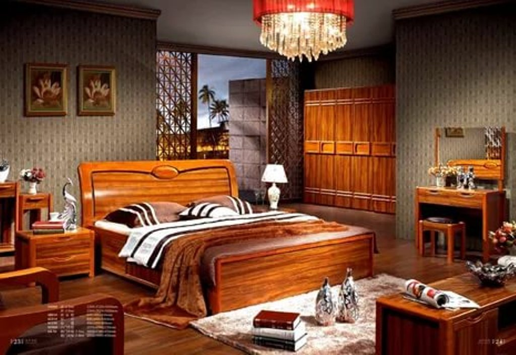 Image of: Solid Wood Bedroom Furniture