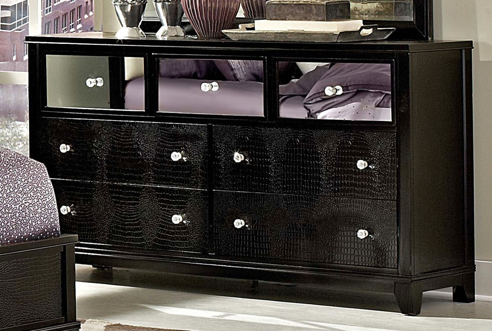 Stylish Mirrored Dresser