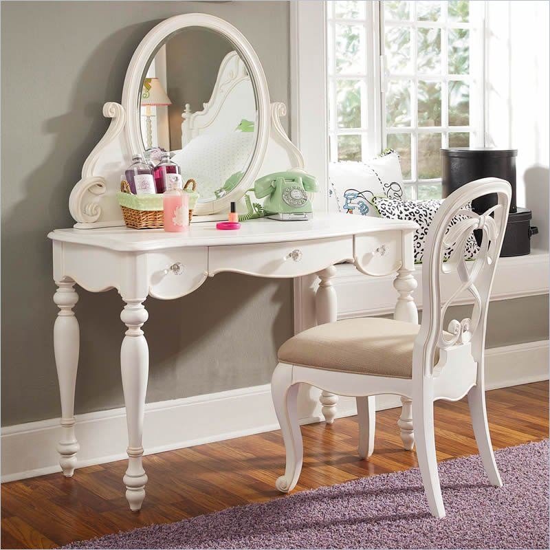 Stylish Vanity Table with Mirror and Bench