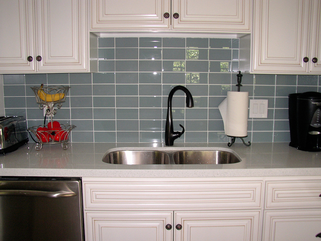 Image of: subway glass tile backsplash pictures