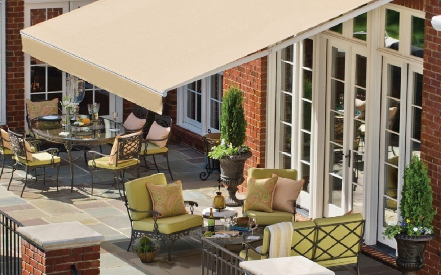 Image of: Sunbrella Retractable Awning Terrace