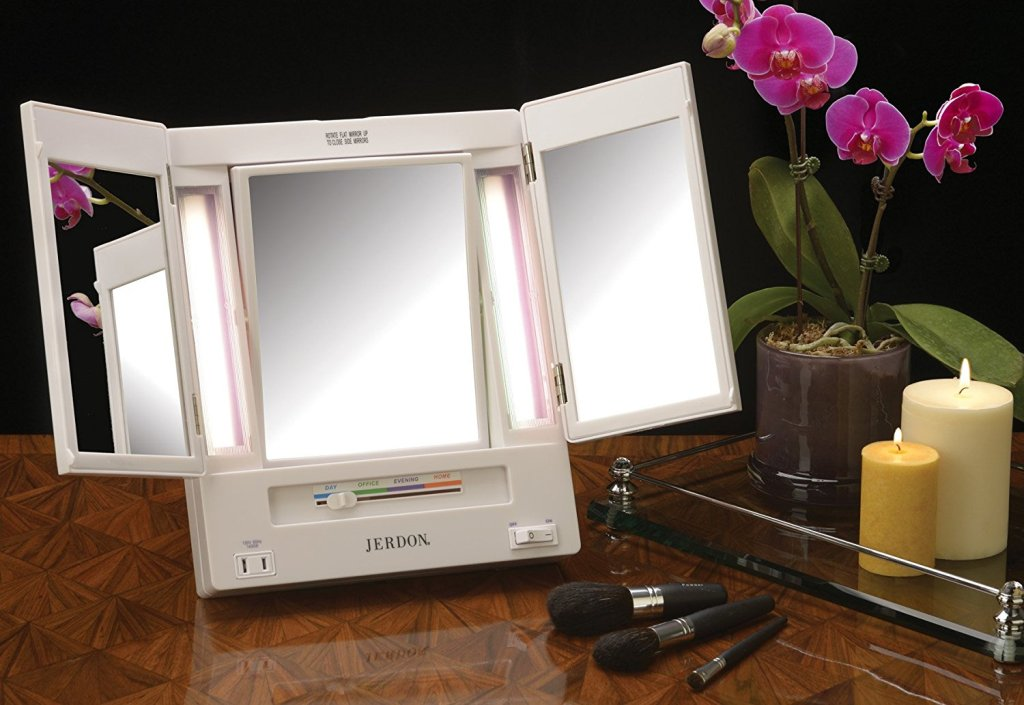 Image of: Table Top Vanity Mirror With Lights