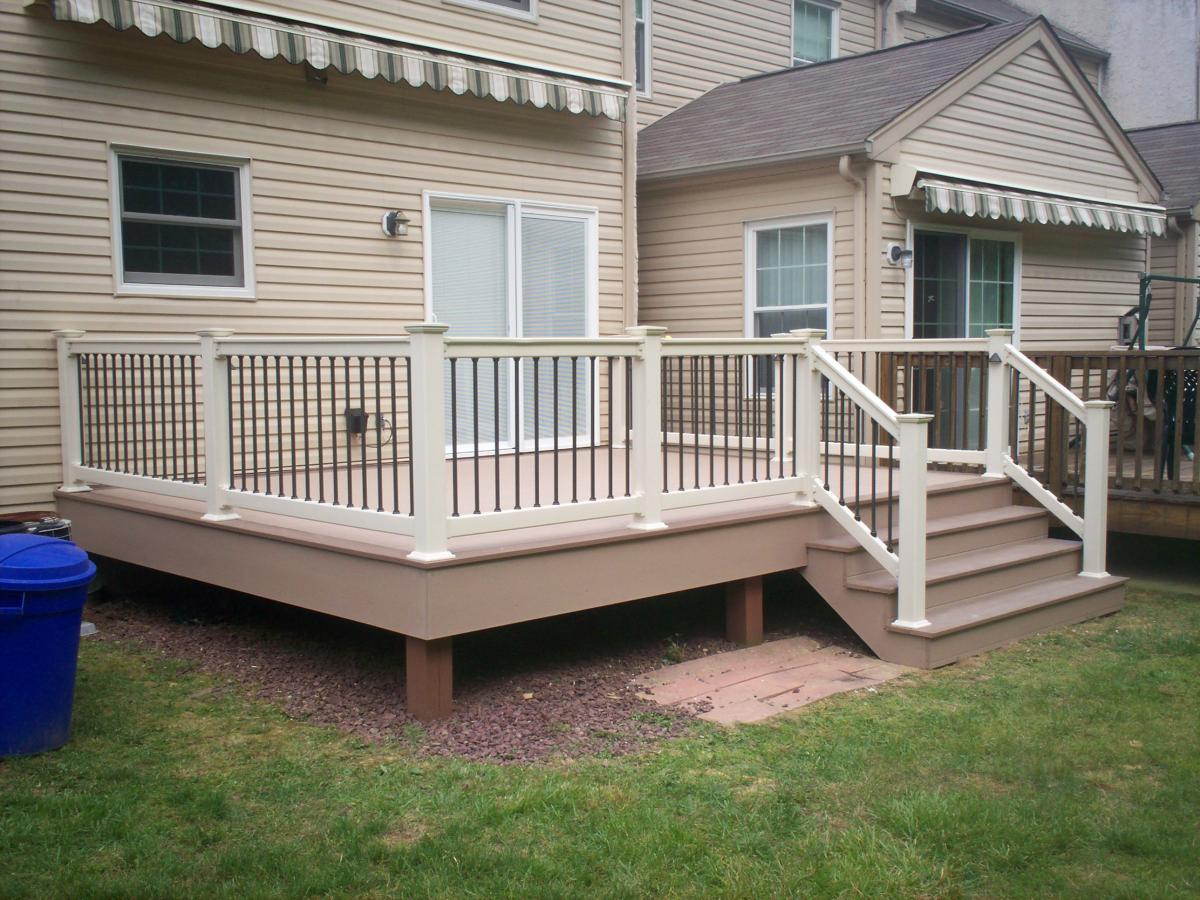 Image of: The Deck Railing Spindles