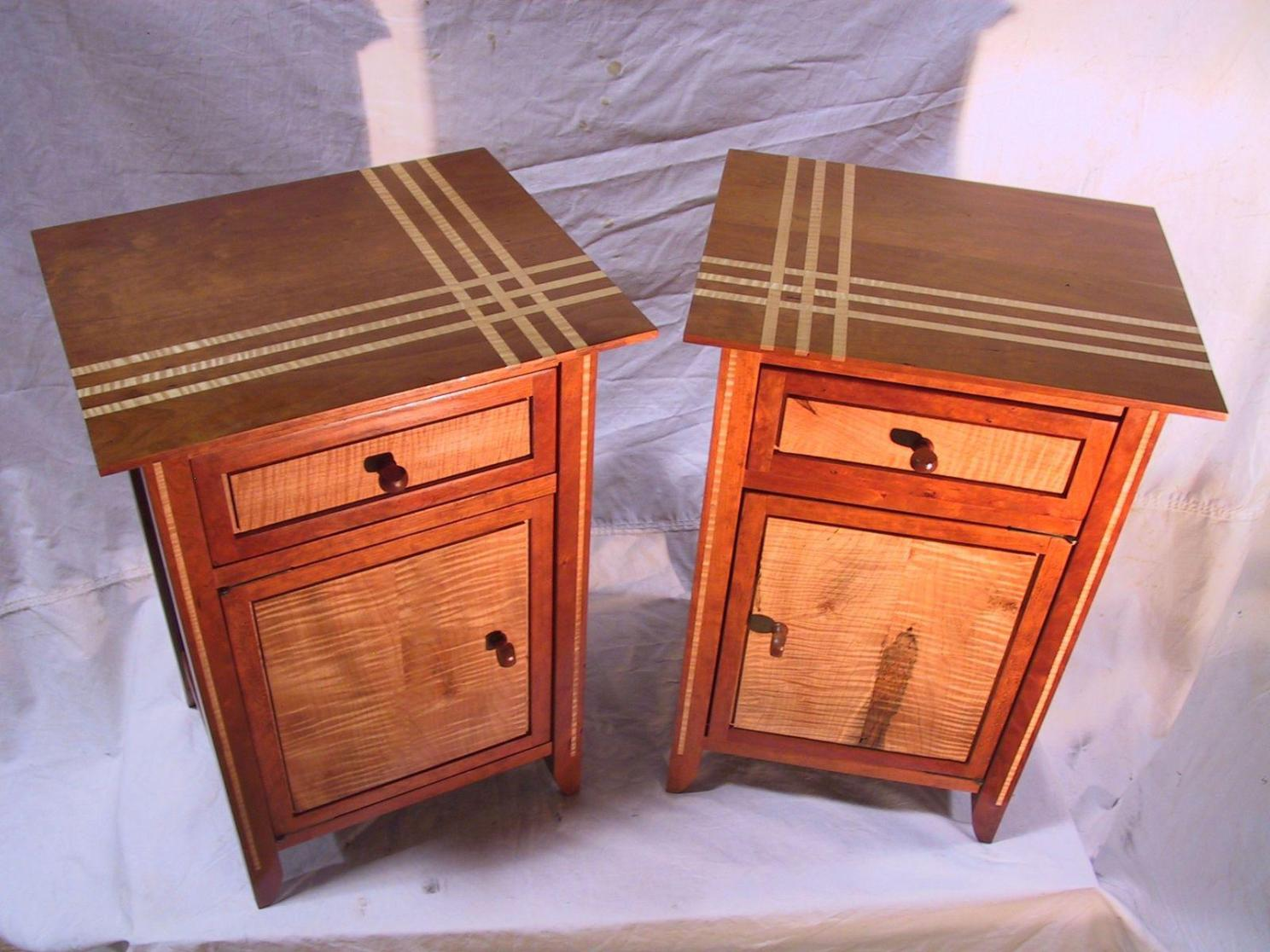 Image of: Thomasville Cherry Nightstand