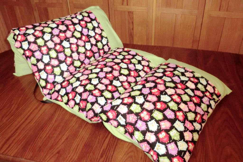 Image of: Throw Pillows For Beds Ideas